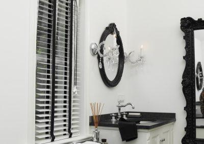 zonnelux-houten jaloezie-badkamer